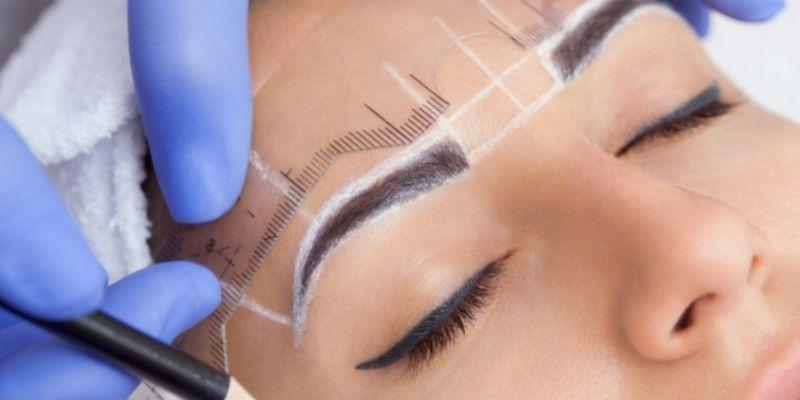 Shaping the Perfect Brow